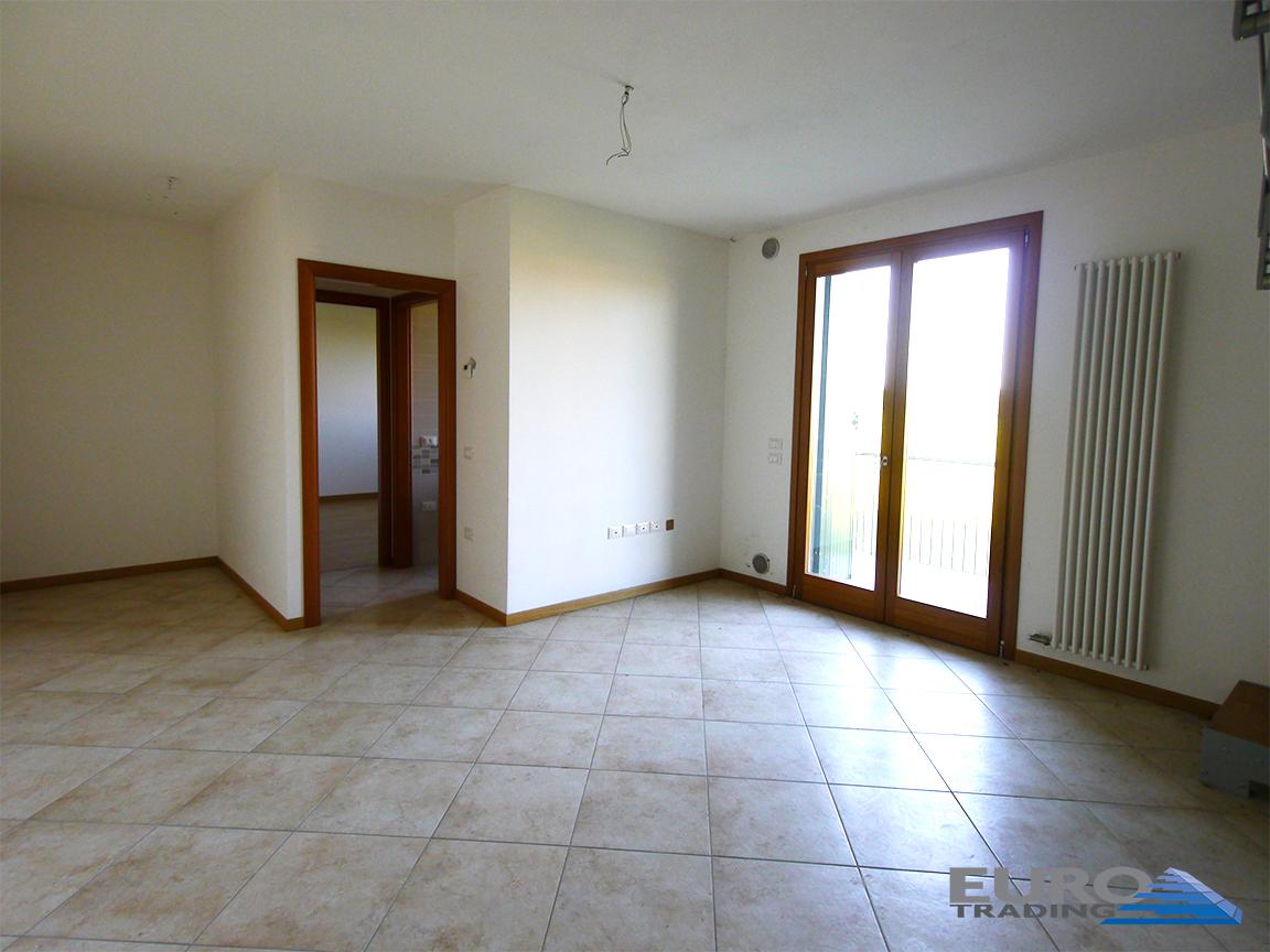 PREGANZIOL: appartamentini due livelli con 2 camere e 2 bagni