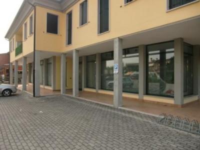 Negozio in affitto a Campo San Martino