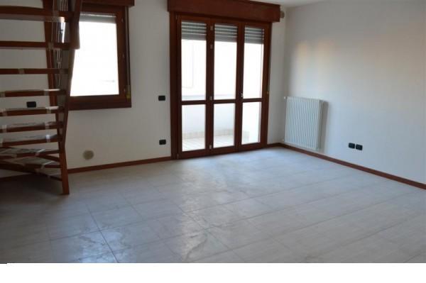 vendita appartamento selvazzano dentro selvazzano dentro - centr via puccini 175000 euro  5 locali  110 mq