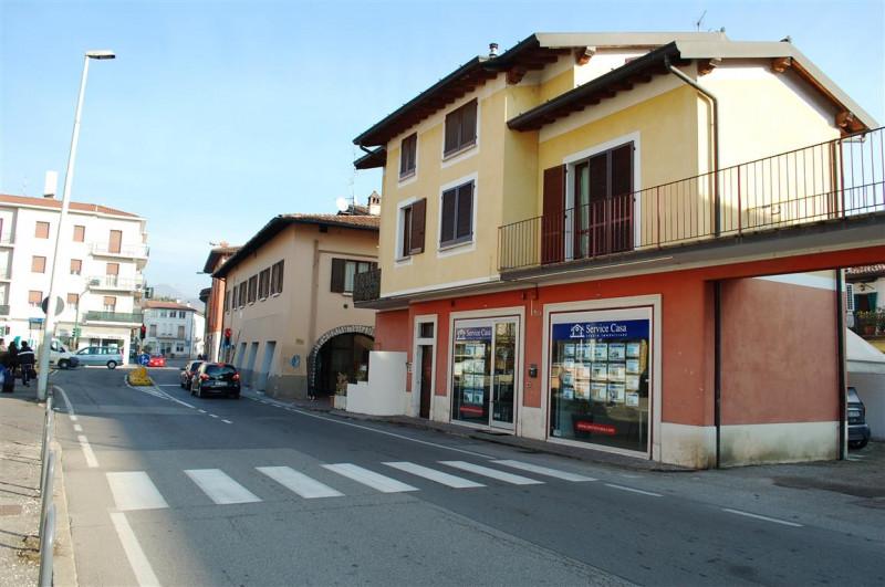 Bilocale Rezzato Rezzato Via Italia 4