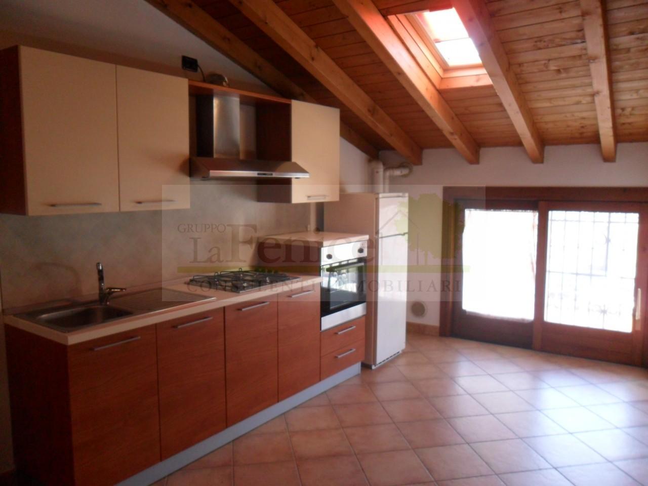 Appartamento bilocale in vendita a Castel Goffredo in zona Centro ...