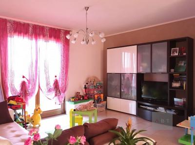 San Giorgio in Bosco (PD) vendesi appartamento tricamere su 4 unità.