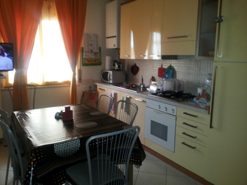 vendita appartamento silvi silvi VIA TARANTO 140000 euro  3 locali  80 mq