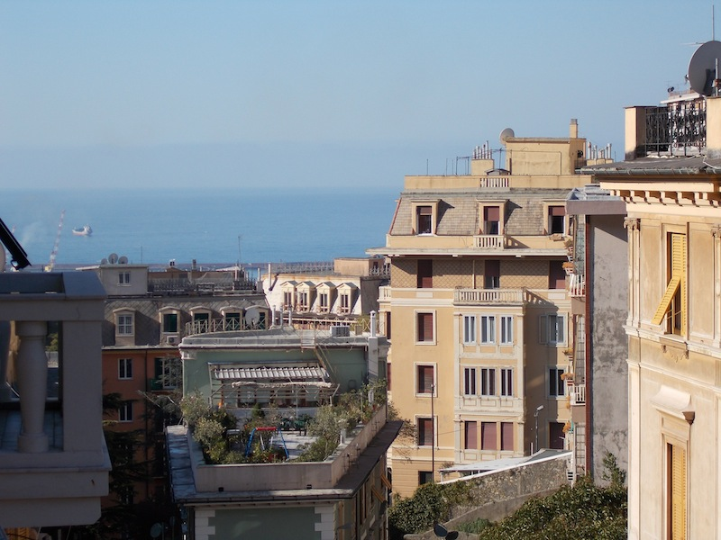 5 locali in vendita a Genova in Via Ausonia