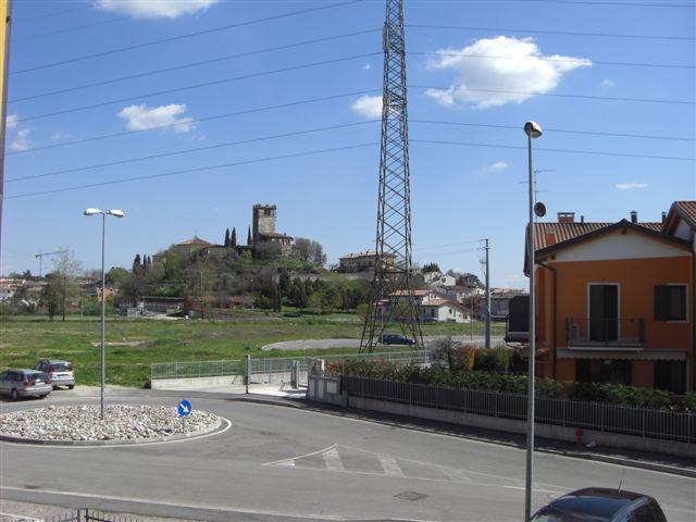 Bilocale Castelnuovo del Garda Via Martiri Delle Foibe 3