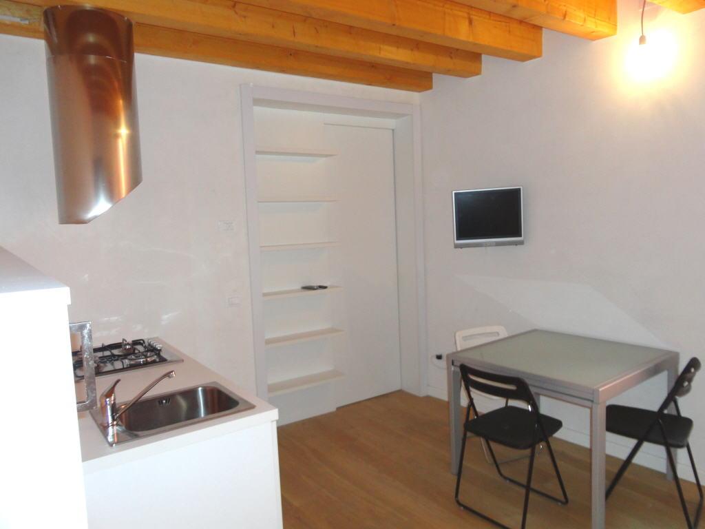 Bassano del grappa centro storico proponiamo for Appartamenti arredati affitto bassano del grappa