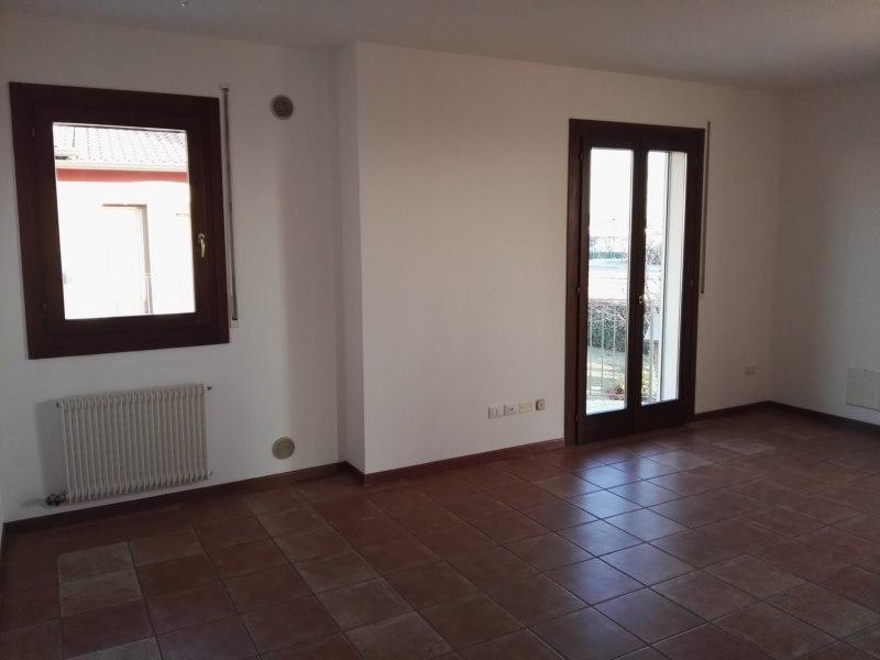 Bilocale Zugliano Via Roma 3