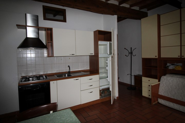 Bilocale Montevarchi Via Roma 13
