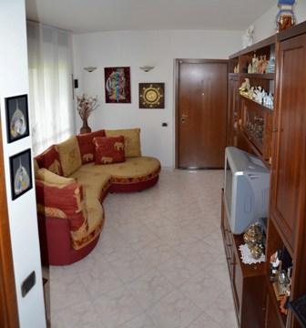Bilocale Caronno Pertusella Via S. Margherita 1