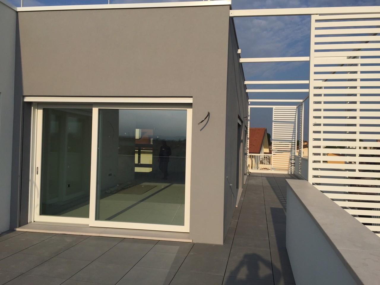 ATTICO Classe A4 Ultimo piano vista panoramica ampie terrazze  Caselle Padova