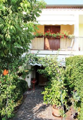 Arquà Petrarca - casa con giardino