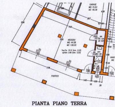 R-1260 Negozio in affitto a Tribano con canna fumaria