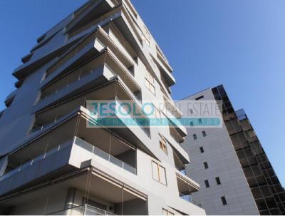 Appartamento con due camere e due bagni vista mare Piazza Brescia Jesolo Lido