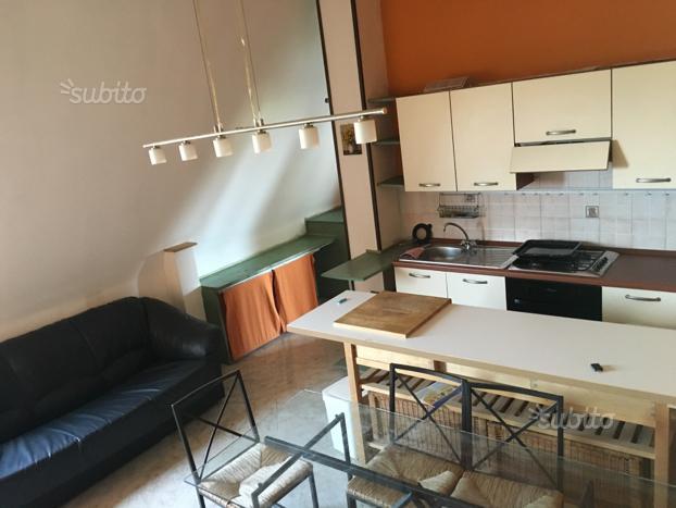 Bilocale Napoli Via Soffritto 2