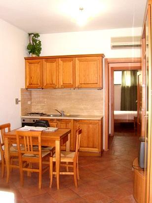 Bilocale Firenze Via Aretina 9
