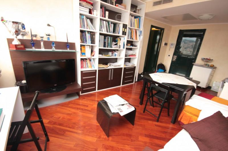 Bilocale Genova Corte Lambruschini 5