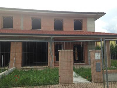 Casa bifamiliare a Carceri