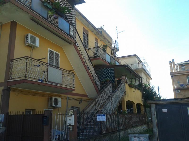 vendita appartamento roma romanina Via Gaetano Lodi 107000 euro  3 locali  70 mq