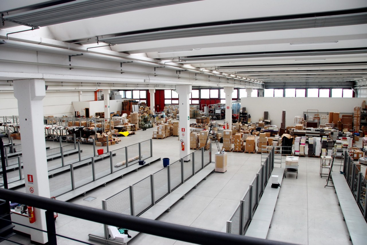 Ufficio Zona Industriale Padova : Capannone in vendita a padova in zona zona industriale est