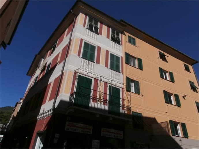 Appartamento in Vendita a Genova: 3 locali, 80 mq