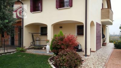 Trifamiliare in vendita a Villafranca Padovana