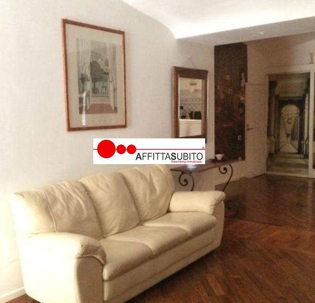 Bilocale Napoli Vico Belle Donne 5