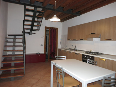 Casa accostata di nuova ristrutturazione in zona centrale a Solesino!