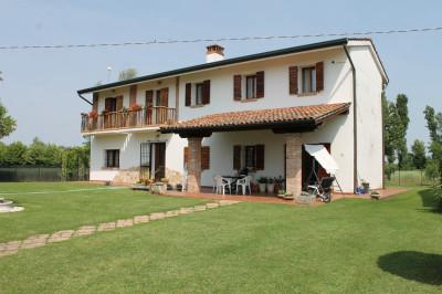 Casa singola con terreno