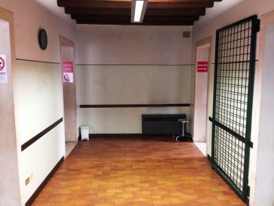 R-1443 Ufficio al piano terra con ampio parcheggio