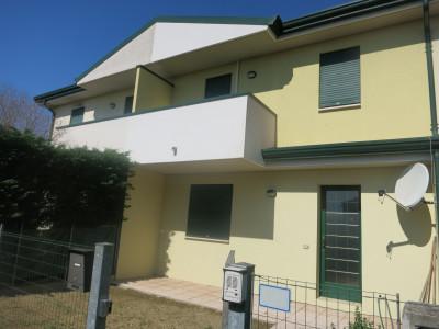 Villa a Schiera di recente costruzione comoda ai servizi