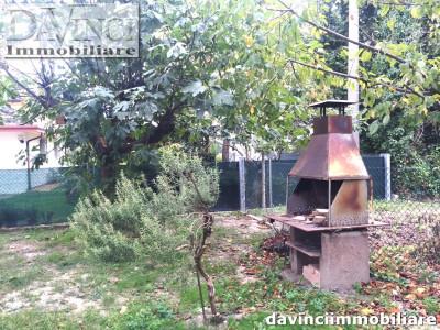 NOVENTA PADOVANA:Trifamiliare con giardino,garage e posto auto.No spese condominiali