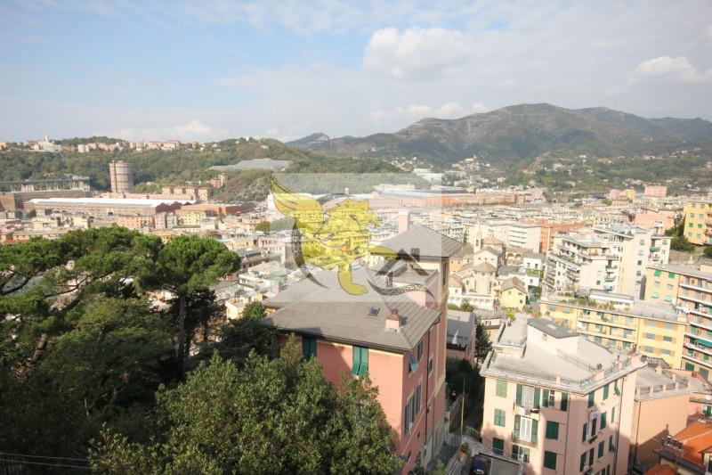 vendita appartamento genova rivarolo Via Buonarroti 84000 euro  6 locali  120 mq