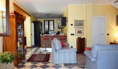 Torreglia Villa in Bifamiliare con comodo giardino
