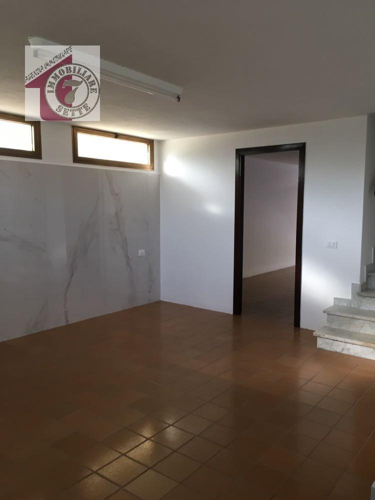Soppalco ripostiglio stunning arredare spazi piccoli with for Piccoli piani di casa con cantina e garage