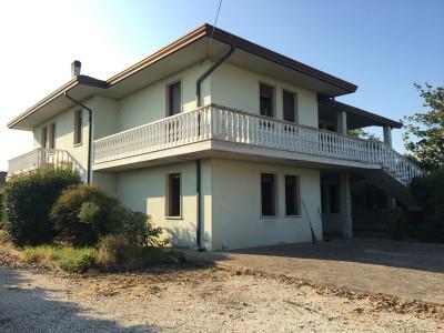 Casa singola in vendita a Megliadino San Fidenzio