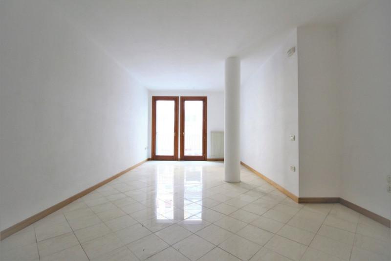 vendita appartamento thiene thiene - centro  120000 euro  4 locali  100 mq