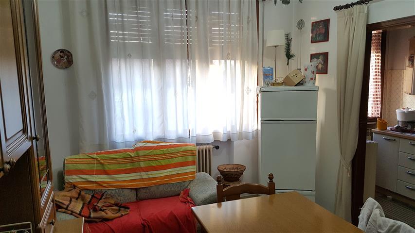 Lavanderia Bagnoli : Casa singola in vendita a cadoneghe in zona bagnoli con bagni