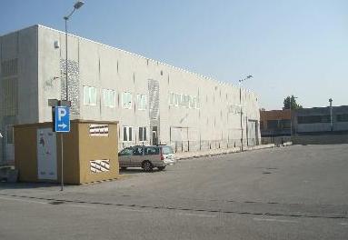 capannone industriale con annessi uffici