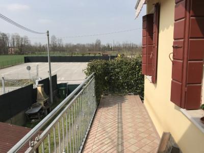Villatora porzione di bifamiliare con 300mq di giardino con ingresso indipendente.