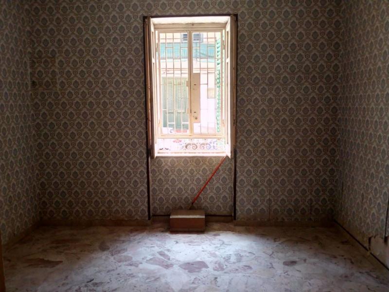 vendita appartamento palermo università Via Morozzo Della Rocca 68000 euro  3 locali  75 mq