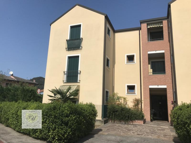 vendita appartamento este este - centro Via Principe Umberto, 54/B 145000 euro  3 locali  100 mq