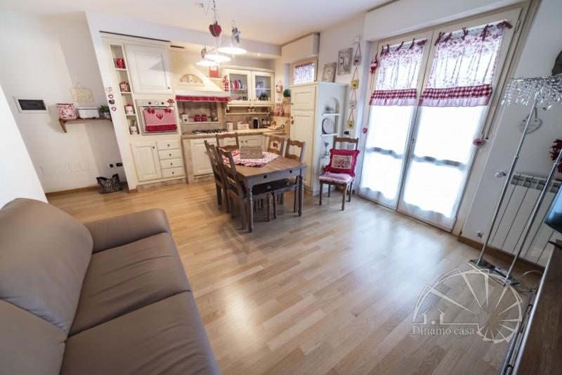 Appartamento, Via Bellandi, Vendita - Prato (Prato)
