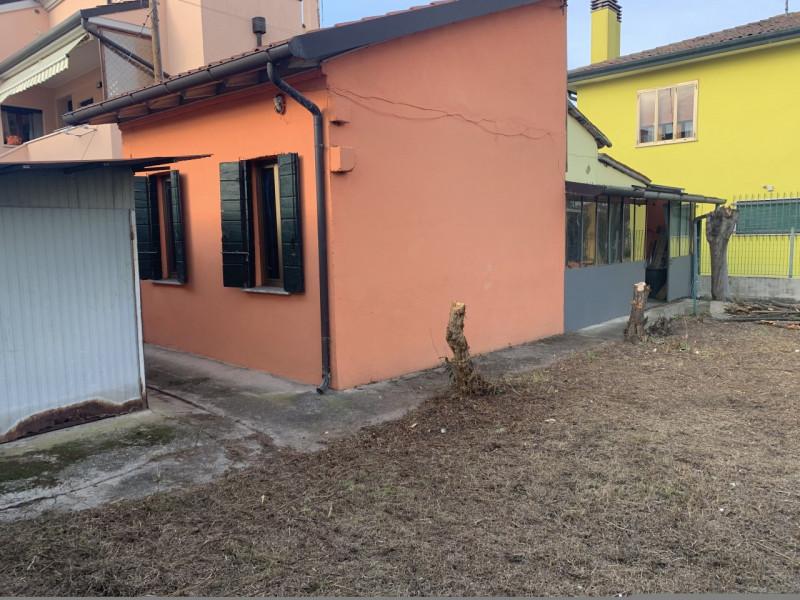 padova vendita quart: gattamelata agenzia immobiliare stemma srl