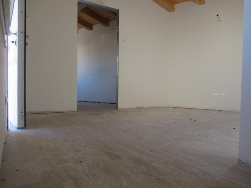 NUOVO appartamento trilocale - MONTEBELLUNA (TV)