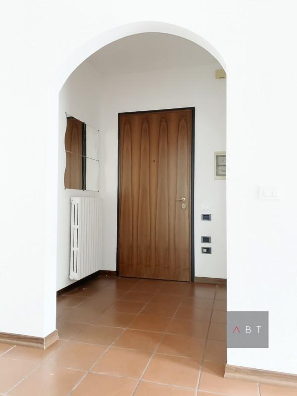 Curtarolo (PD) vendesi appartamento con tre camere e terrazzo di 180 mq.