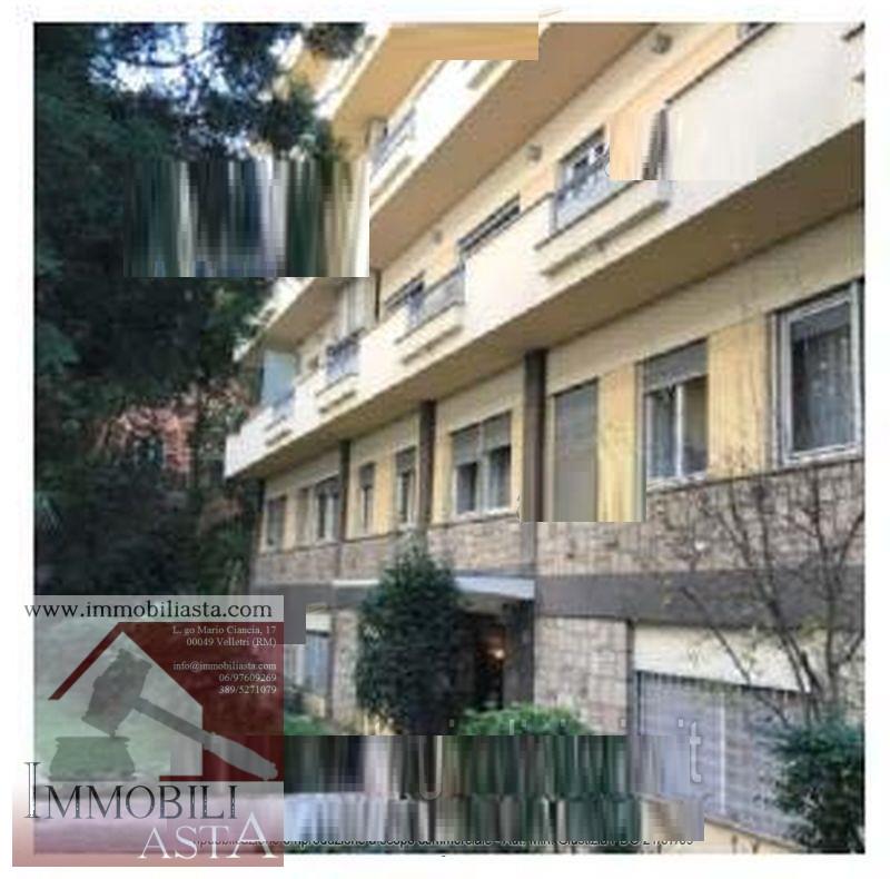 ROMA, LARGO MESSICO - APPARTAMENTO + CANTINA