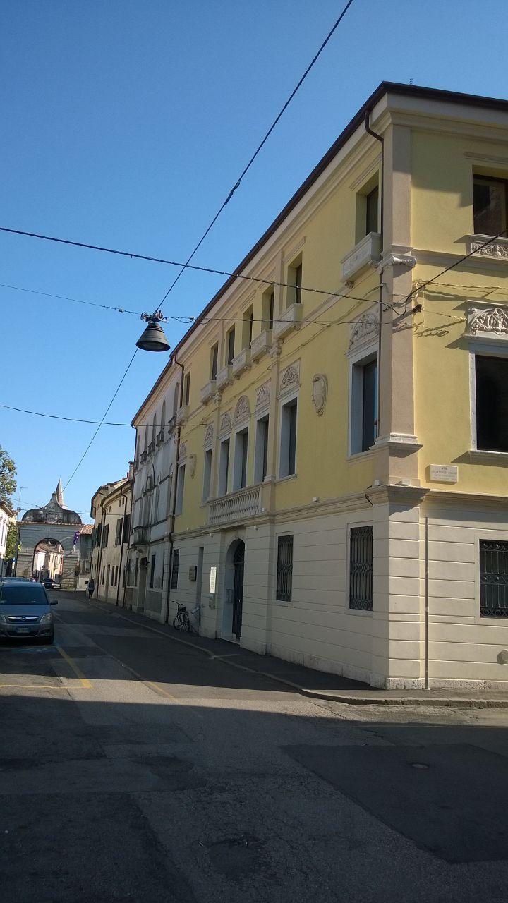 Locale ad uso ufficio in centro storico