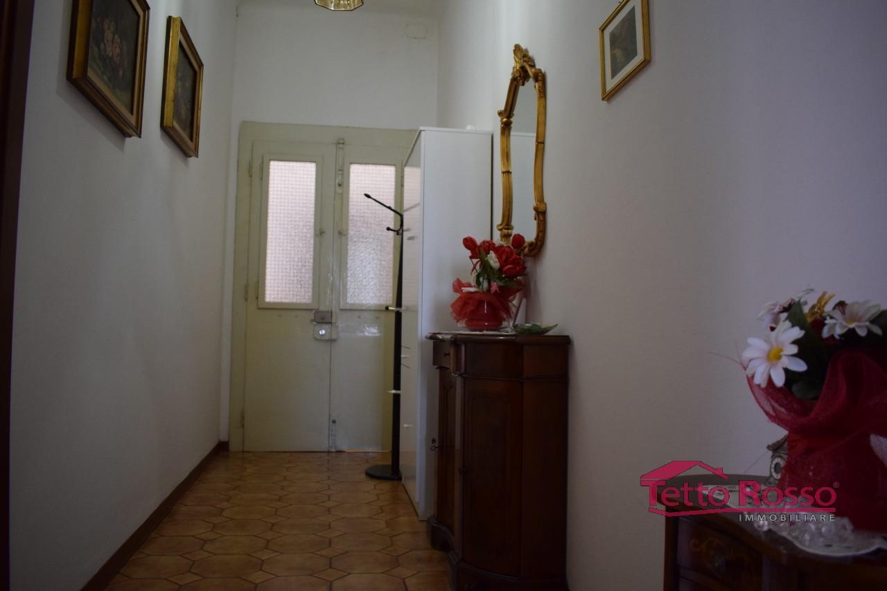 Ampio trilocale al Buon Pastore con basse spese condominiali