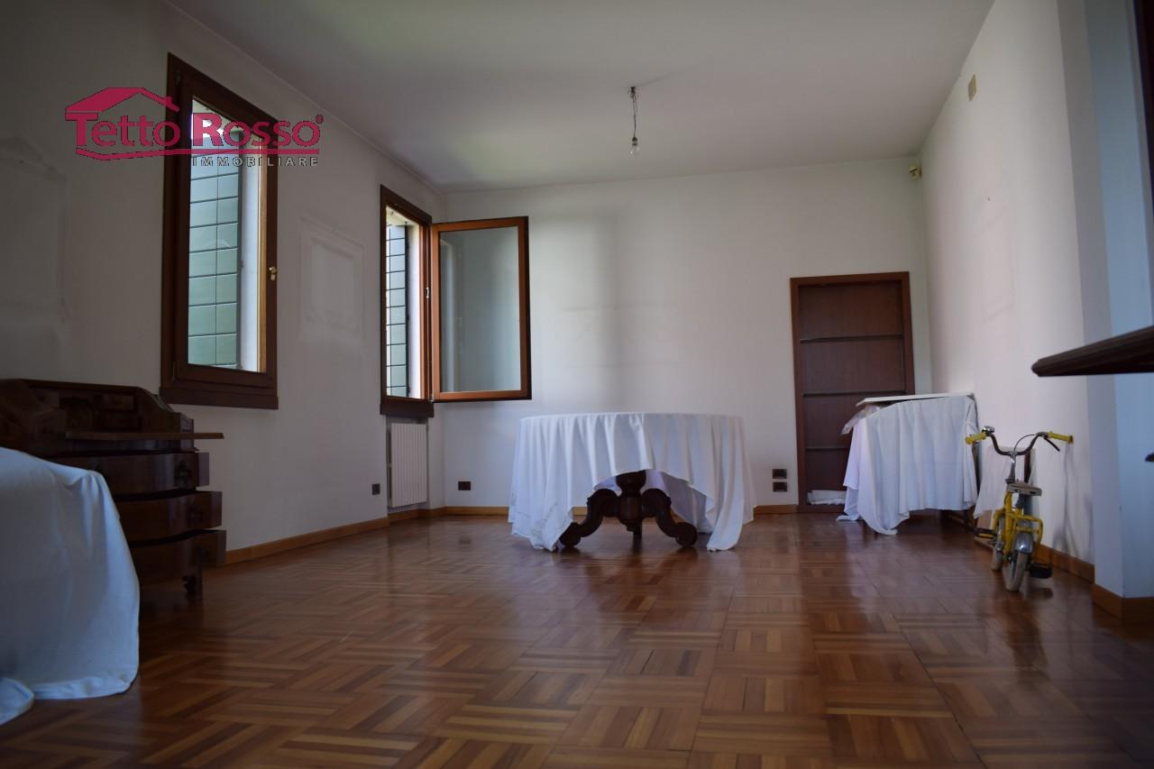 Villa contemporanea restaurata