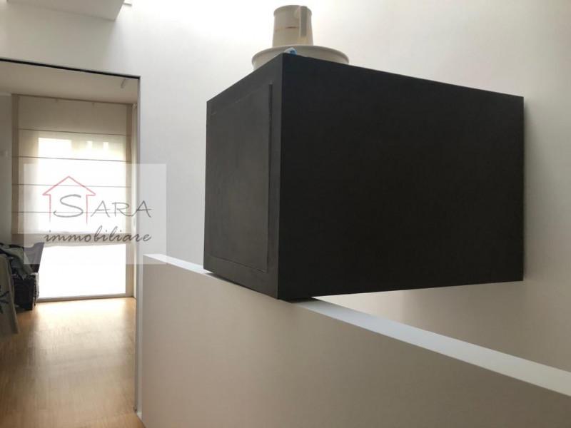 PADOVA - zona Centro Storico: casa singola completamente ristrutturata a nuovo - https://media.gestionaleimmobiliare.it/foto/annunci/100920/93443/800x800/017__vano_scale.jpg